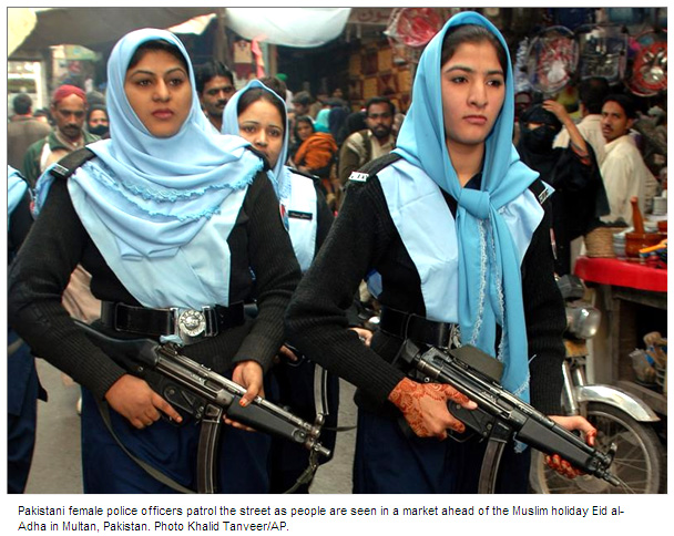 Pakistan%20Police%20Women%20with%20Henna%20and%20Assault%20Rifles